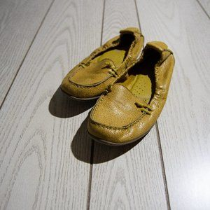 Mustard Hush Puppies Leather Scrunch Back Loafer